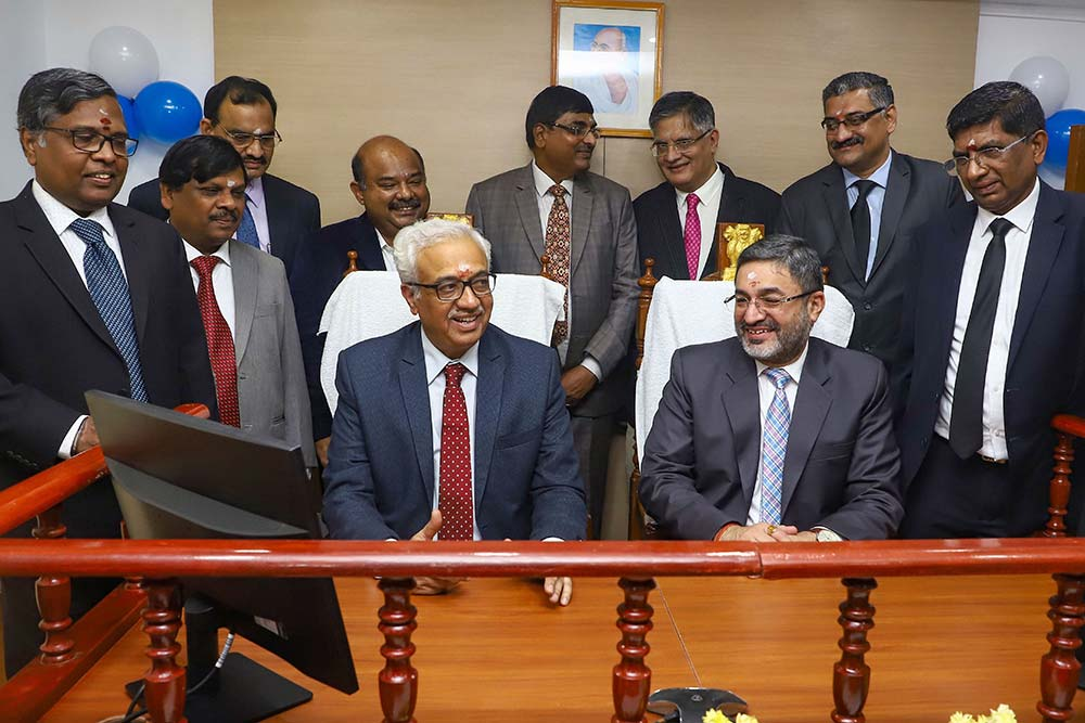 Hon'ble Shri. G. S. Pannu with Justice Bhatt and the other Hon'ble Members of the ITAT